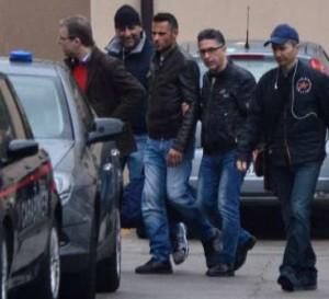 Il momento dell'arresto del presunto omicida a Polignano