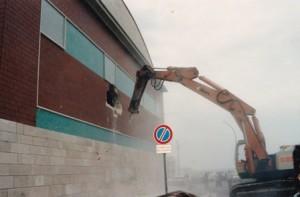 Demolizione del cinema ad Aprile 1995