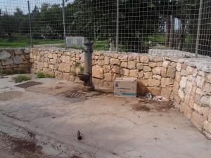 La fontana di San Materno: anche qui i segni del degrado