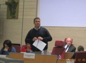 Il sindaco Di Rutigliano durante il suo intervento