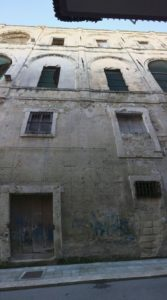 Palazzo roberti: grave situazione di degrado